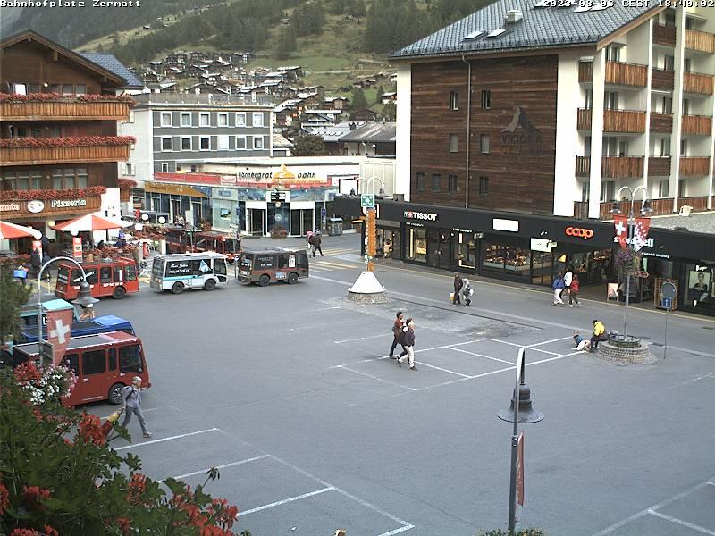 Zermatt: Webcam Bahnhofplatz